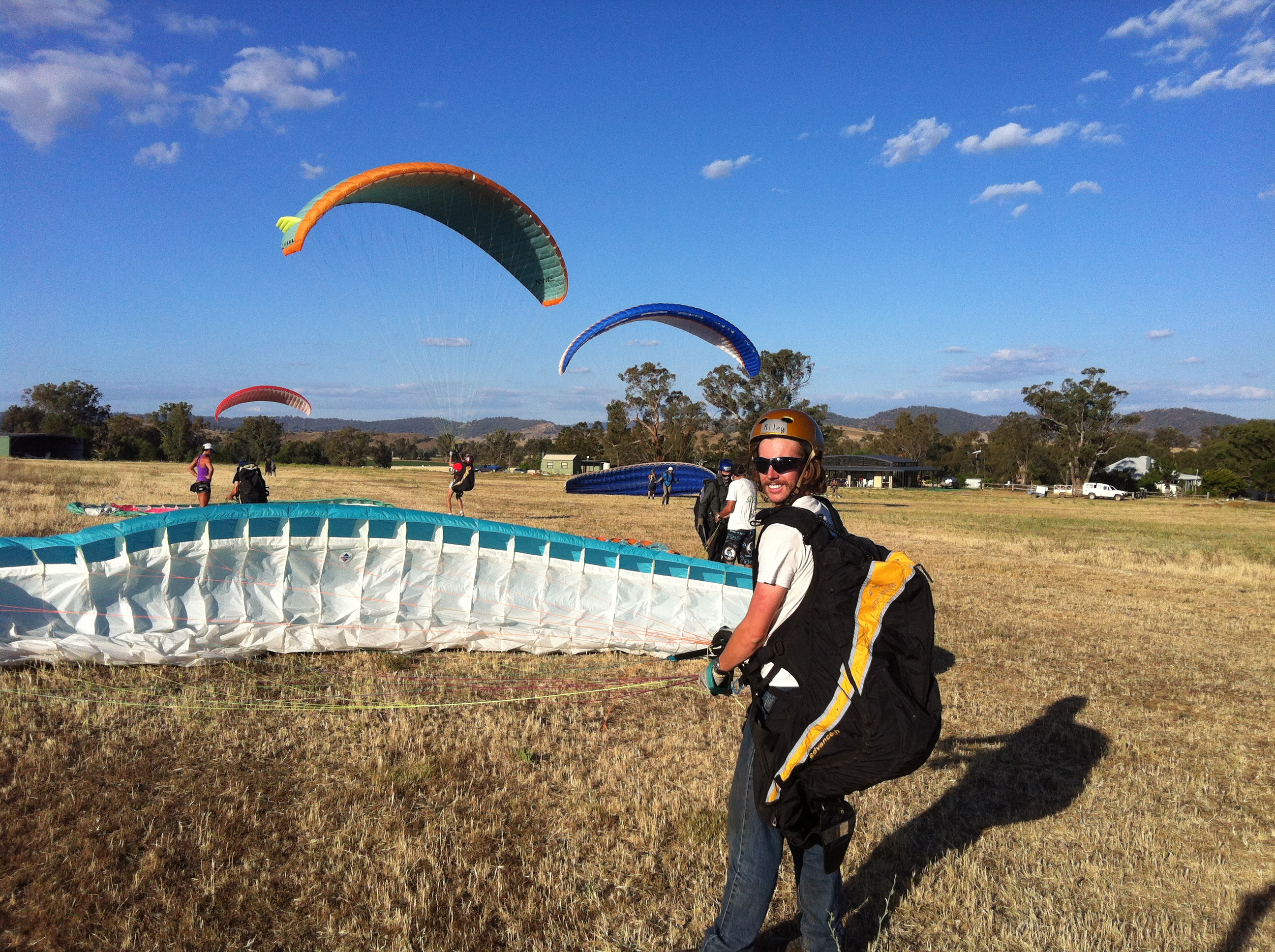 Learn to fly at Manilla Paragliding