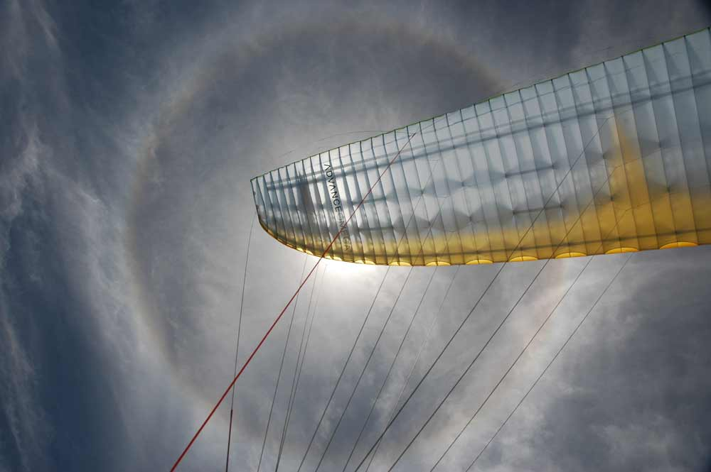 Advance Omega paraglider sun halo