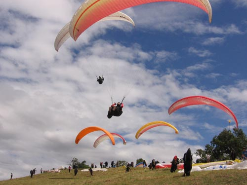 Paragliding Australia - World Class Flying Site, School, Course