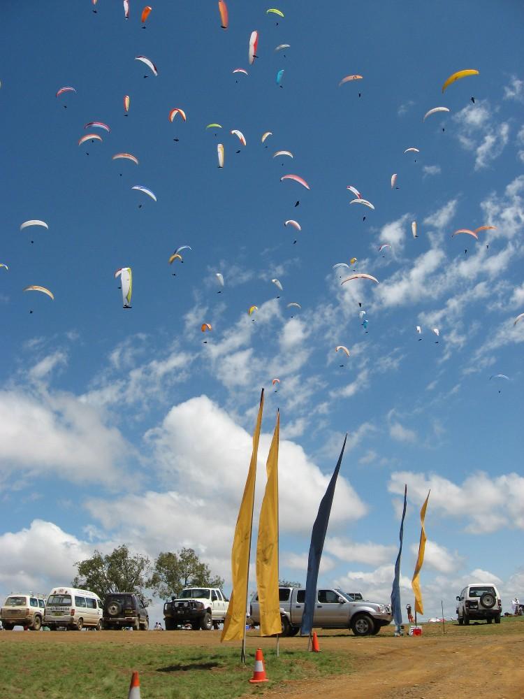 Paragliding Australia - World Class Flying Site, School, Course @ Manilla